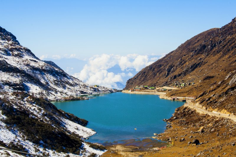 Tsongmo_Lake_or_Changu_Lake_-_East_Sikkim.jpg