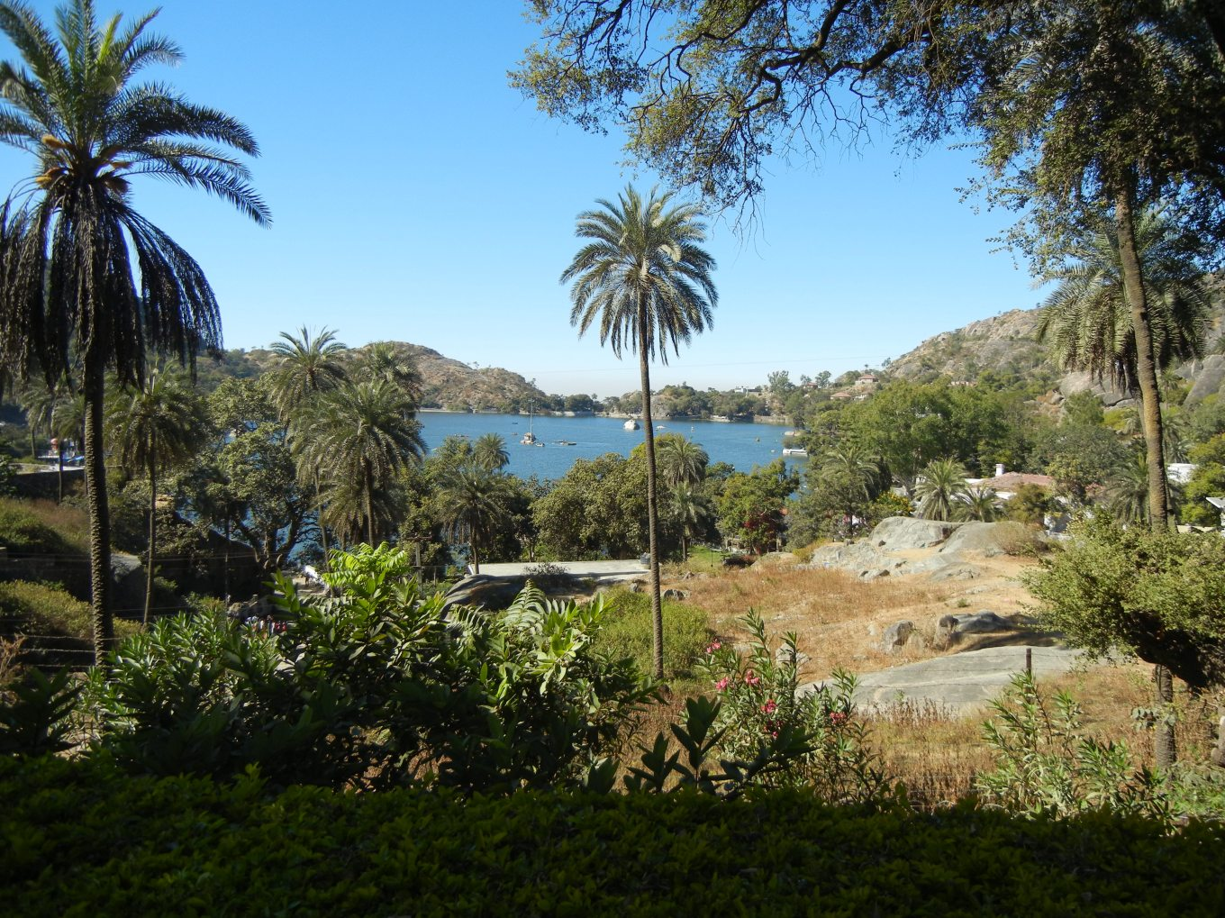 Nakki_Lake_from_Mount_Abu_Wildlife_Sanctuary.JPG